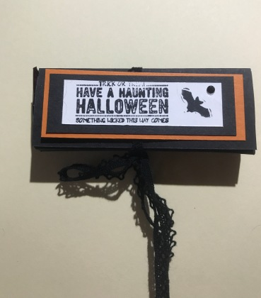 treat holder for 2 snack size candy bars